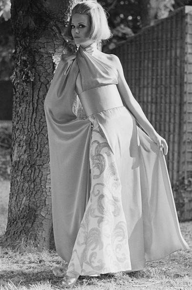 アシメトリードレス「Fashion, 1968」:写真・画像(0)[壁紙.com]
