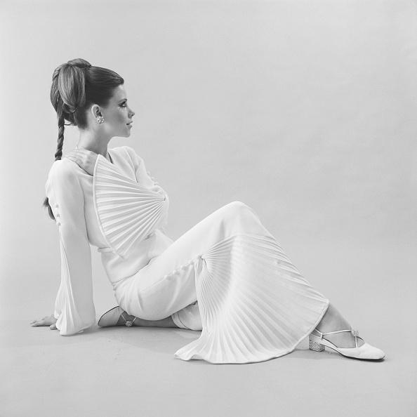 ちりめん生地「Fashion, 1968」:写真・画像(4)[壁紙.com]