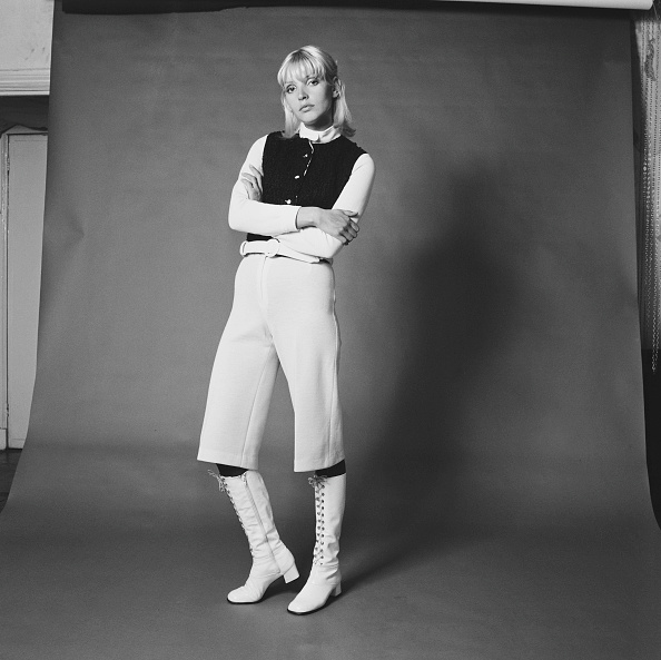Fashion Model「Cropped Trousers」:写真・画像(12)[壁紙.com]