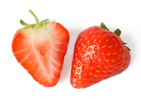 Temptation「One fresh strawberry cut in half.」:スマホ壁紙(5)