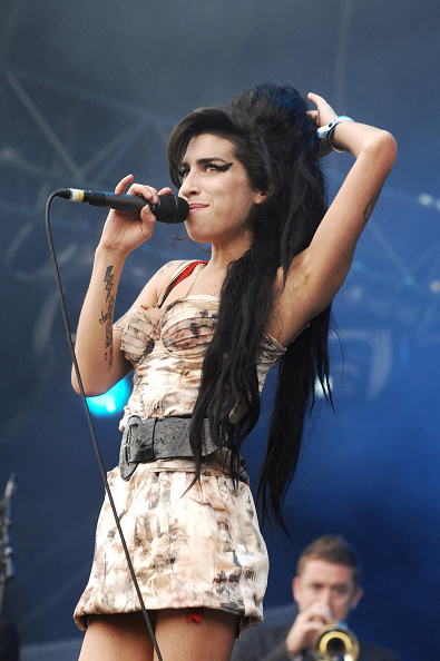 Amy Winehouse「Amy Winehouse」:写真・画像(13)[壁紙.com]