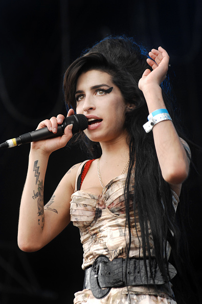 Amy Winehouse「Amy Winehouse」:写真・画像(14)[壁紙.com]