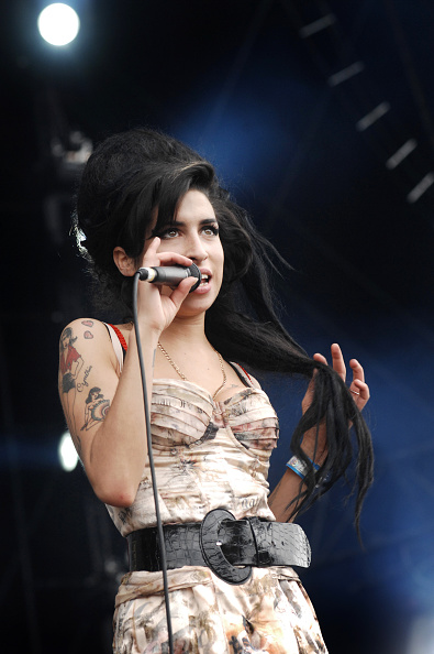 Amy Winehouse「Amy Winehouse」:写真・画像(8)[壁紙.com]