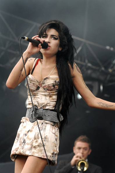 Amy Winehouse「Amy Winehouse」:写真・画像(19)[壁紙.com]