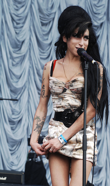 Amy Winehouse「Amy Winehouse」:写真・画像(9)[壁紙.com]