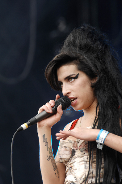 Amy Winehouse「Amy Winehouse」:写真・画像(15)[壁紙.com]