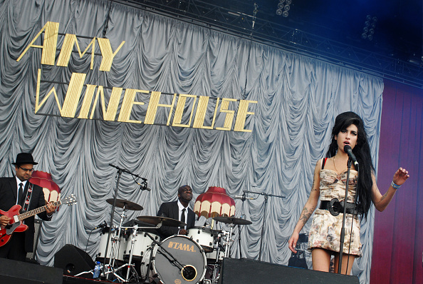 Amy Winehouse「Amy Winehouse」:写真・画像(11)[壁紙.com]