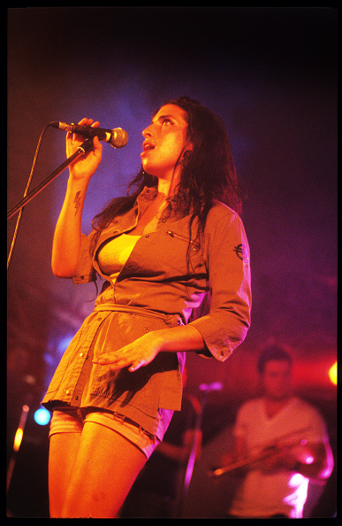 Amy Winehouse「Amy Winehouse」:写真・画像(12)[壁紙.com]