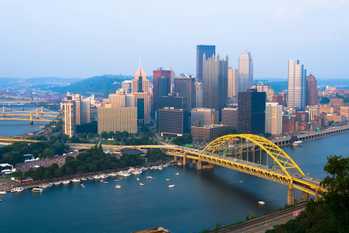 Pennsylvania「View of Pittsburgh, Pennsylvania skyline during the day」:スマホ壁紙(9)