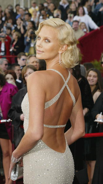 Backless「76th Annual Academy Awards - Arrivals」:写真・画像(2)[壁紙.com]