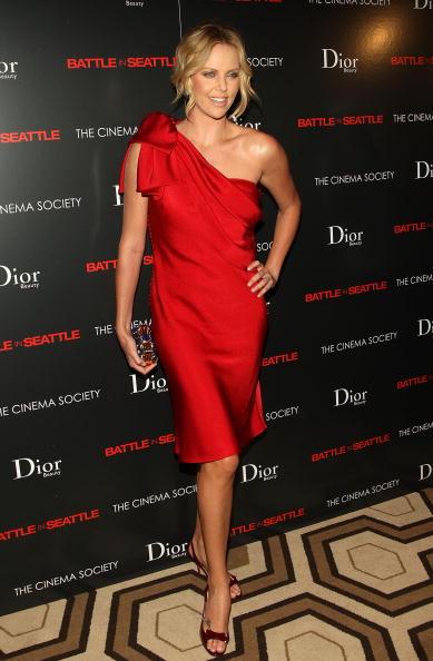 "Pencil Dress「The Cinema Society & Dior Beauty Host A Screening Of ""Battle In Seattle""」:写真・画像(10)[壁紙.com]"