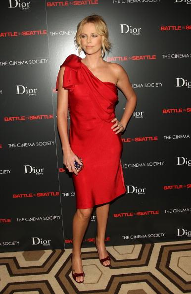 "Pencil Dress「The Cinema Society & Dior Beauty Host A Screening Of ""Battle In Seattle""」:写真・画像(7)[壁紙.com]"
