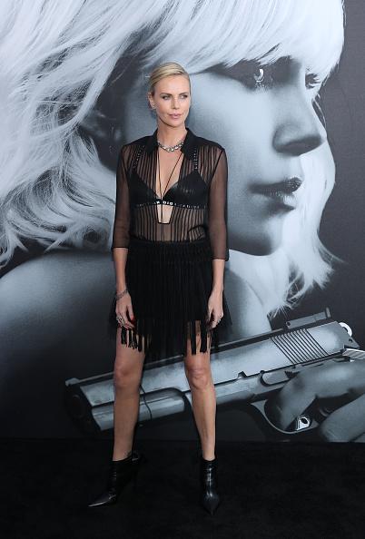 USA「Premiere Of Focus Features' 'Atomic Blonde' - Arrivals」:写真・画像(12)[壁紙.com]
