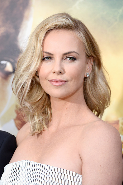 """Charlize Theron「Premiere Of Warner Bros. Pictures' """"Mad Max: Fury Road"""" - Arrivals」:写真・画像(19)[壁紙.com]"""
