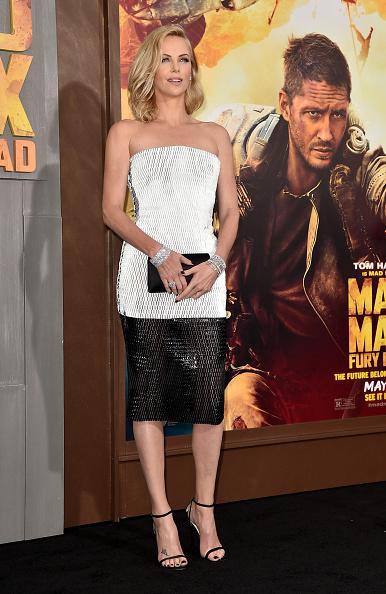 "Clutch Bag「Premiere Of Warner Bros. Pictures' ""Mad Max: Fury Road"" - Red Carpet」:写真・画像(8)[壁紙.com]"