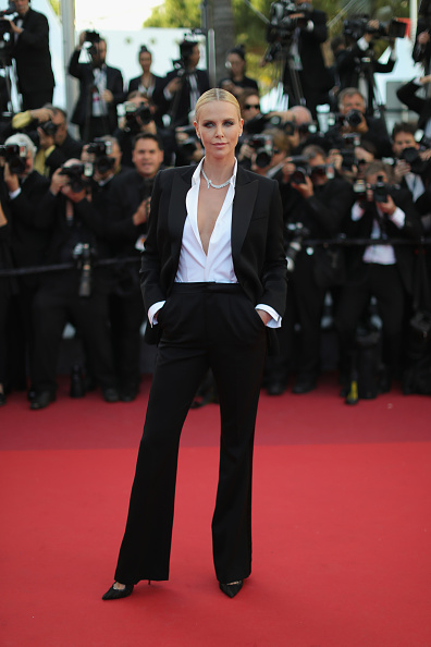 全身「'The Last Face' - Red Carpet Arrivals - The 69th Annual Cannes Film Festival」:写真・画像(0)[壁紙.com]