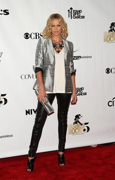 銀色「Conde Nast Media Group's Fifth Anniversary Of Fashion Rocks - Arrivals」:写真・画像(18)[壁紙.com]
