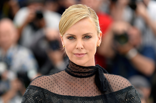 """Charlize Theron「""""Mad Max: Fury Road"""" Photocall - The 68th Annual Cannes Film Festival」:写真・画像(1)[壁紙.com]"""