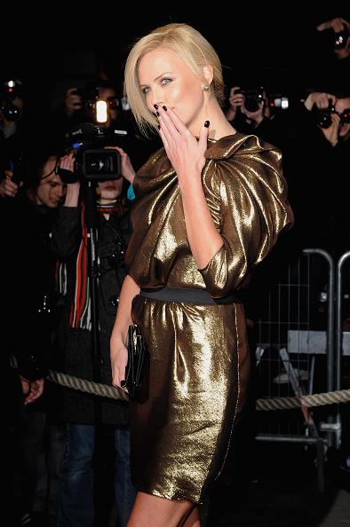 """Pencil Dress「""""The Burning Plain"""" Paris Premiere」:写真・画像(9)[壁紙.com]"""