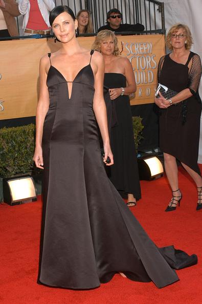 Event「11th Annual Screen Actors Guild Awards - Arrivals」:写真・画像(4)[壁紙.com]