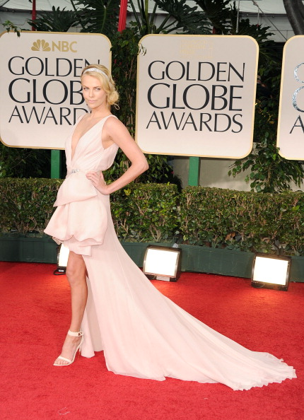 到着「69th Annual Golden Globe Awards - Arrivals」:写真・画像(17)[壁紙.com]