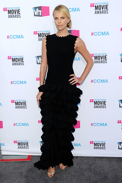 Scalloped - Pattern「17th Annual Critics' Choice Movie Awards - Arrivals」:写真・画像(11)[壁紙.com]