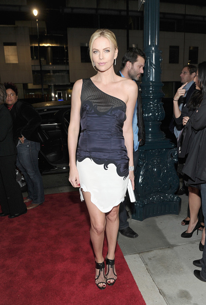 """Manolo Blahnik - Designer Label「Premiere Of Paramount Pictures And Mandate Pictures' """"Young Adult"""" - Red Carpet」:写真・画像(13)[壁紙.com]"""