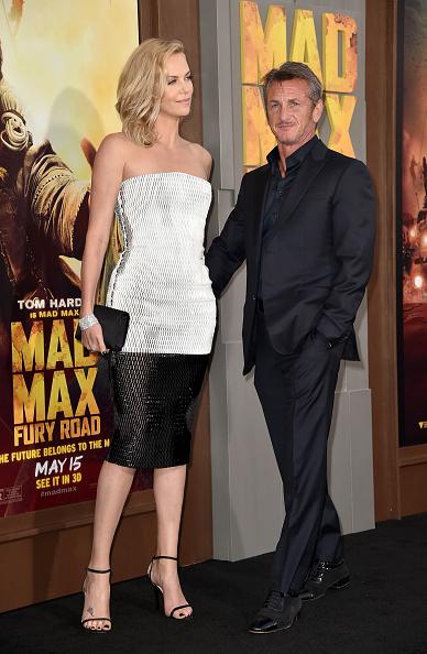 "Clutch Bag「Premiere Of Warner Bros. Pictures' ""Mad Max: Fury Road"" - Red Carpet」:写真・画像(7)[壁紙.com]"