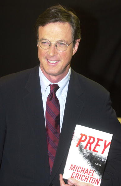 "Animals Hunting「Michael Crichton Signs ""Prey""」:写真・画像(4)[壁紙.com]"