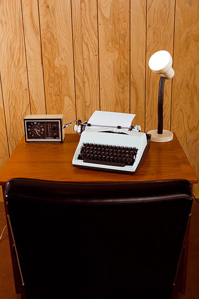Vintage Retro 1970s Desk and Office:スマホ壁紙(壁紙.com)