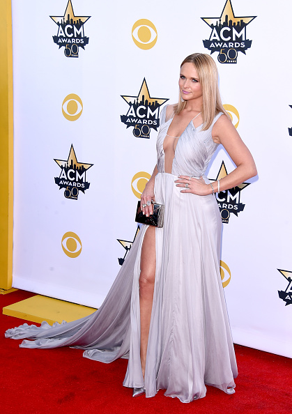 T 「50th Academy Of Country Music Awards - Arrivals」:写真・画像(18)[壁紙.com]