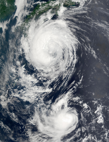 Approaching「Two Typhoon systems approaching the Far East.」:スマホ壁紙(7)