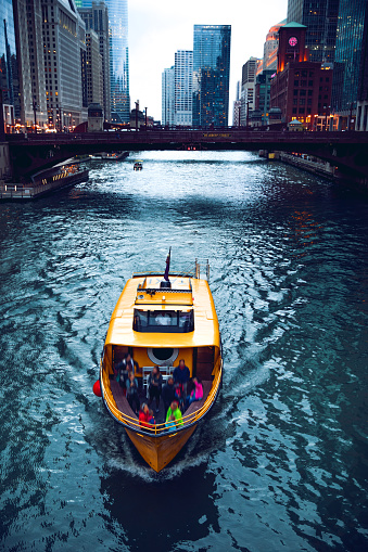 Cruise - Vacation「Water Taxi in the Chicago」:スマホ壁紙(18)