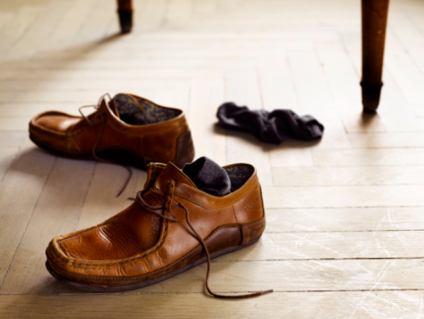 Shoe「a pair of shoes and socks on the floor」:スマホ壁紙(5)
