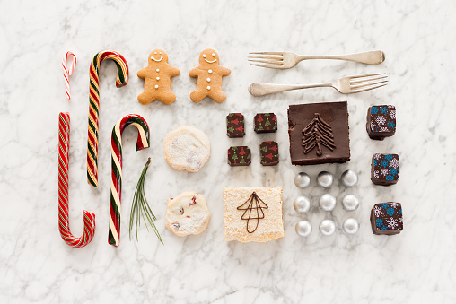 Sweet Food「Christmas Knolling, Candy Canes, Chocolates, Candy, Shortbread, Baking, Gingerbread Man」:スマホ壁紙(11)