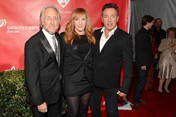 National Academy of Recording Arts and Sciences「The 55th Annual GRAMMY Awards - MusiCares Person Of The Year Honoring Bruce Springsteen - Red Carpet」:写真・画像(6)[壁紙.com]