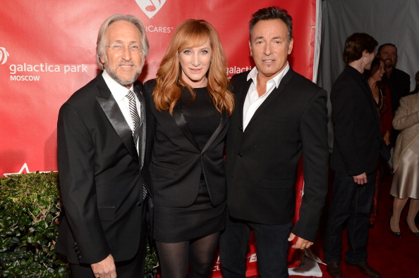 National Academy of Recording Arts and Sciences「The 55th Annual GRAMMY Awards - MusiCares Person Of The Year Honoring Bruce Springsteen - Red Carpet」:写真・画像(7)[壁紙.com]