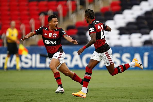 Campeonato Brasileiro Série A「2020 Brasileirao Series A: Flamengo v Bahia Play Behind Closed Doors Amidst the Coronavirus (COVID-19) Pandemic」:写真・画像(17)[壁紙.com]