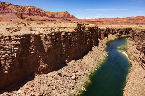 太陽の光「View of Colorado River, Navajo Bridge, Vermilion Cliffs National Monument, Arizona」:スマホ壁紙(11)
