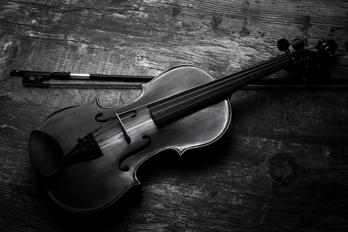Violin「Violin black and white artistic conversion low lighting - Studio, South Africa」:スマホ壁紙(1)