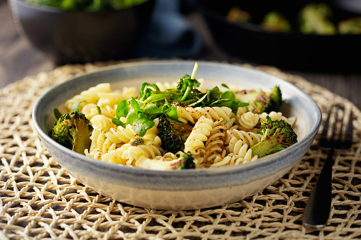 Broccoli「Healthy Vegan pasta bowl」:スマホ壁紙(1)