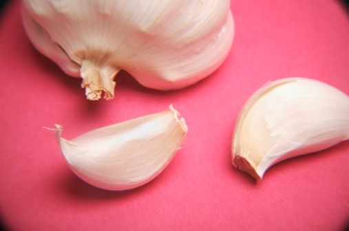 Garlic Clove「A head of garlic and cloves」:スマホ壁紙(6)