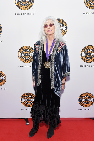 Long Dress「Country Music Hall Of Fame 2018 Medallion Ceremony Honors Inductees Johnny Gimble, Ricky Skaggs And Dottie West」:写真・画像(3)[壁紙.com]