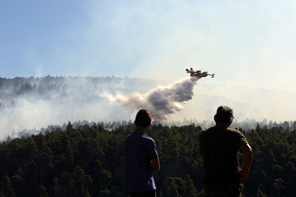 Water「Villages Evacuated As Wildfire Sweeps Greek Island Of Evia」:写真・画像(12)[壁紙.com]