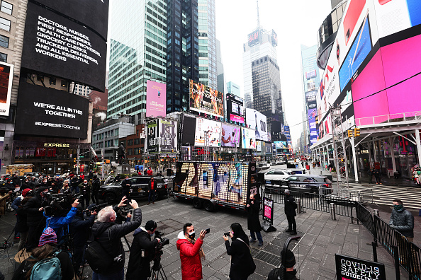 Times Square - Manhattan「New Year's Eve Numerals Arrive In Times Square」:写真・画像(17)[壁紙.com]