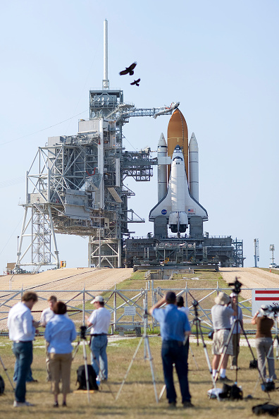 Hubble Space Telescope「NASA Prepares For Launch of Space Shuttle Atlantis」:写真・画像(5)[壁紙.com]