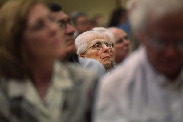 Naples - Florida「GOP Presidential Hopeful Newt Gingrich Holds Town Hall In Southern Florida」:写真・画像(9)[壁紙.com]