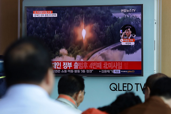 South Korea「South Korea Reacts To North's Fourth Missile Test In Four Weeks」:写真・画像(5)[壁紙.com]