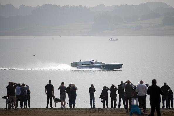 ヒューマンインタレスト「Test Run Of Powerboat Blue Bird K3 At Kent's Bewl Water」:写真・画像(7)[壁紙.com]