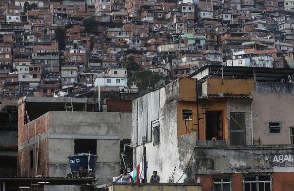 Slum「Army Troops Called In To Rio's Rocinha Favela  To Quell Violence」:写真・画像(17)[壁紙.com]